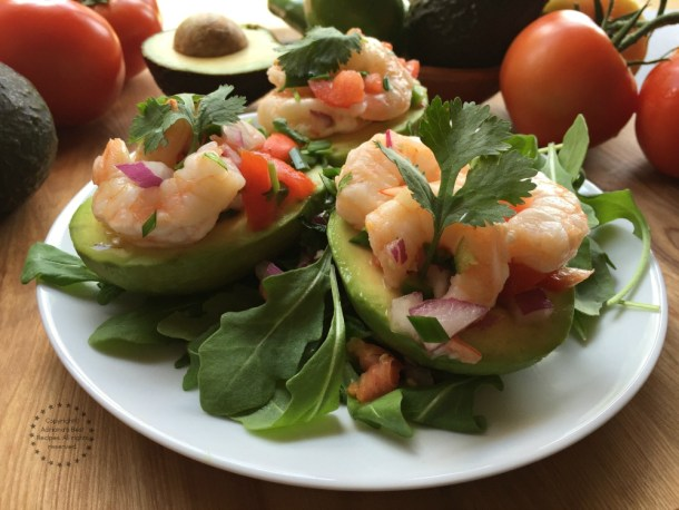 This recipe for the Aguacates Stuffed with Shrimp Salad is ready in less than 20 minutes