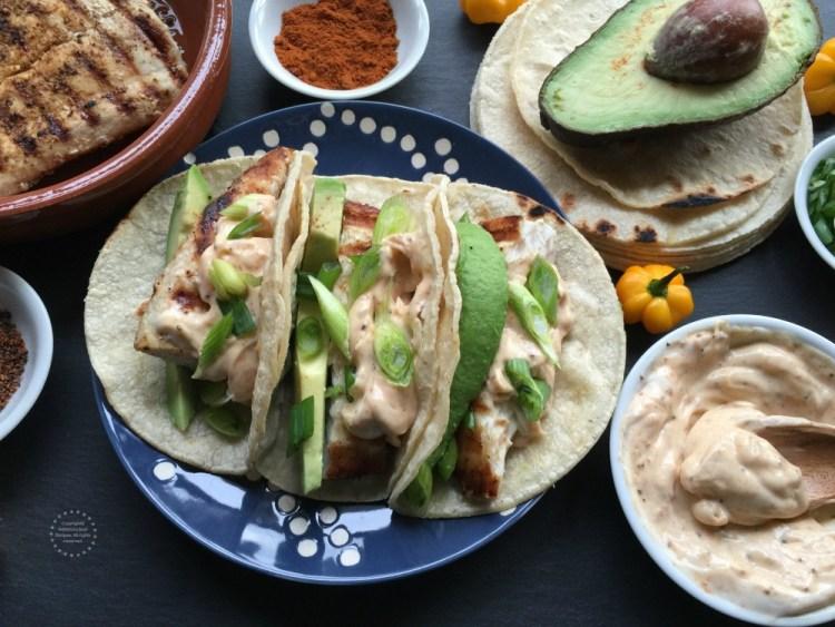 Receta para los Tacos de Pescado con Mayonesa Picante