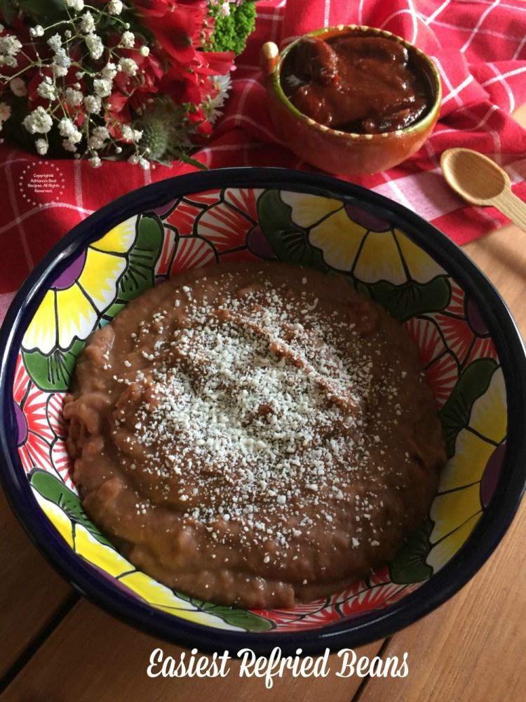Para el menú para las Posadas necesitas la receta de los frijoles refritos fáciles. Porque quién puede comer comida mexicana sin frijoles refritos.