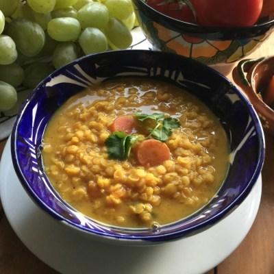 Sopa de Lentejas Rojas y Jalapeños