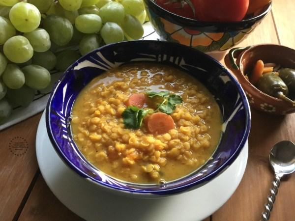 Sopa de Lentejas Rojas y Jalapeños para el Año Nuevo