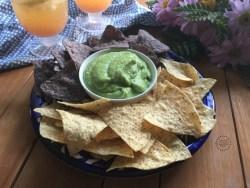La Mexicanísima Salsa Verde de Aguacate