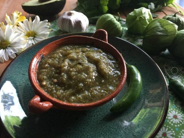 Salsa Verde de Tomatillo Asado