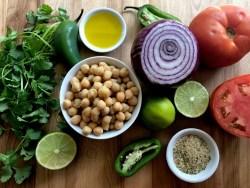 Ingredientes para la Salsa Fresca de Garbanzos