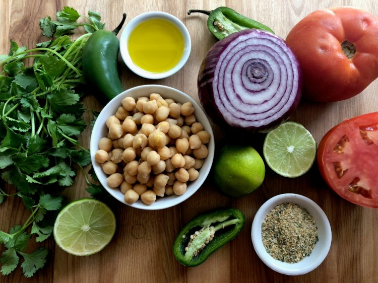 Main ingredients for the Fresh Chickpeas Salsa
