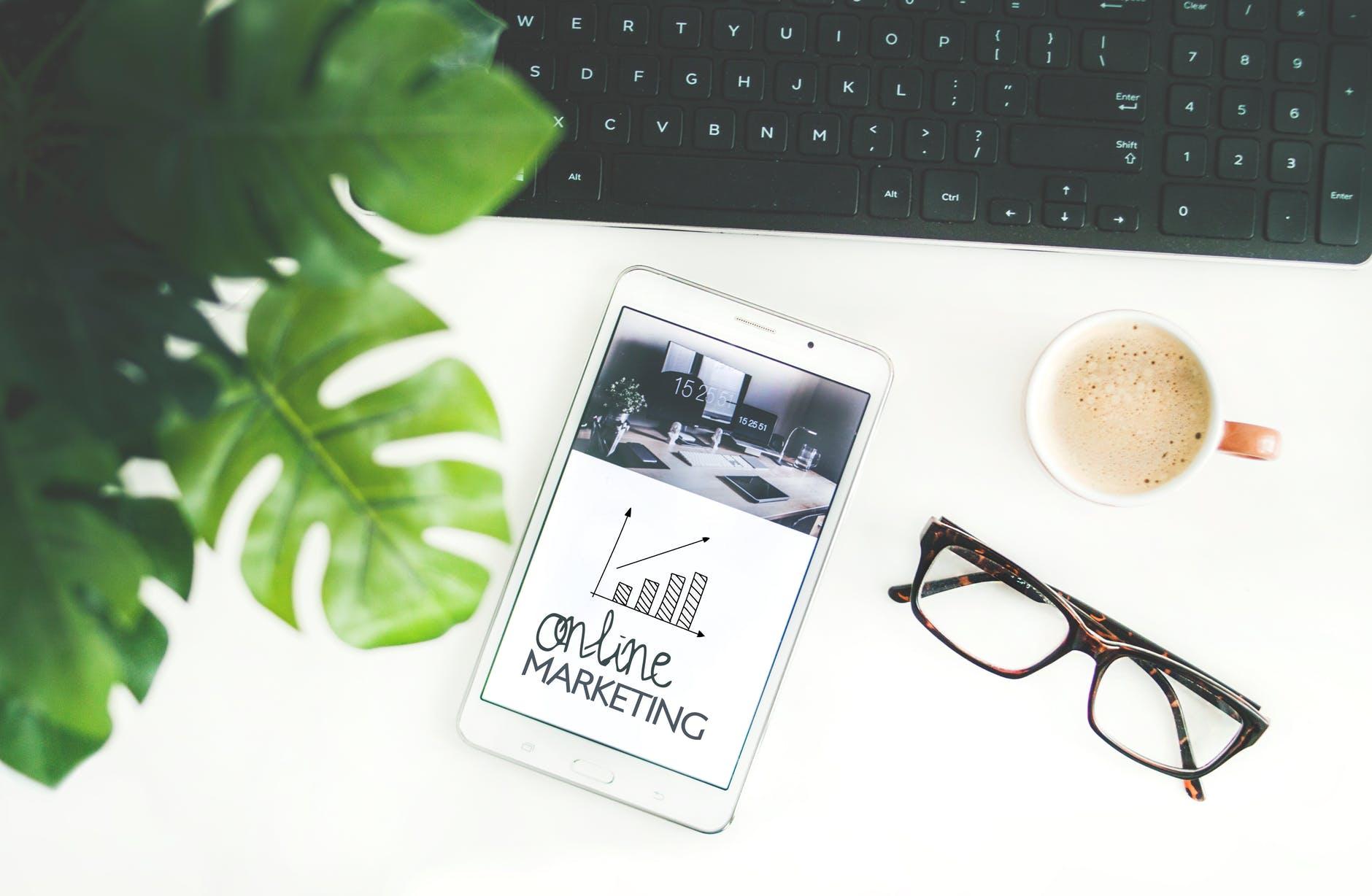 Cum te ajuta marketingul online sa faci mai multi bani