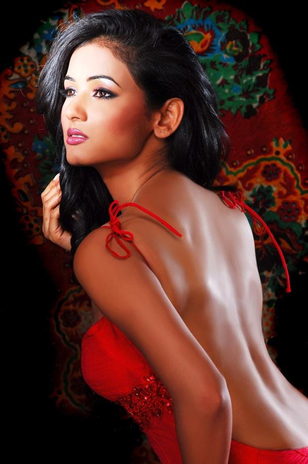 Sonal-Chauhan Hot Photo Shoot