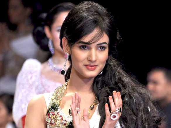 Sonal Chauhan Miss World Tourism 2005