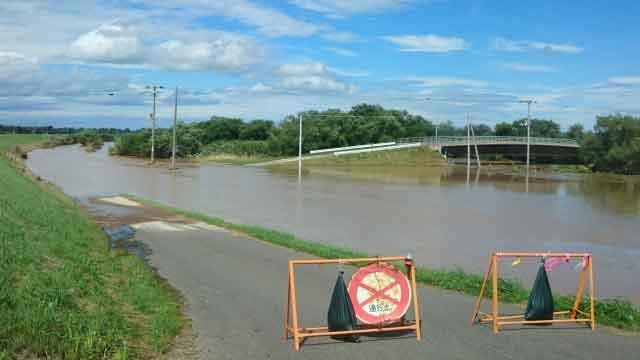 一度決壊した川は雨が止んでもすぐに元に戻らないようにいきなり出来始めたニキビもすぐに元には戻りません