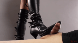 You love female legs! You want to see a beautiful footjob!