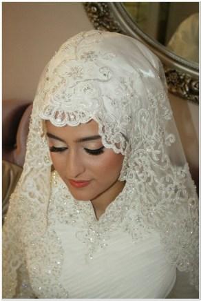 Cara memakai jilbab pengantin muslim modern
