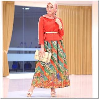 Gambar gamis batik kombinasi blazer Dian Pelangi