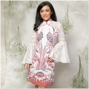 Gambar Model baju batik untuk wanita gemuk agar terlihat langsing