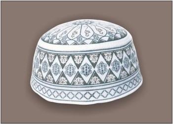 Koleksi Peci haji warna putih motif warna