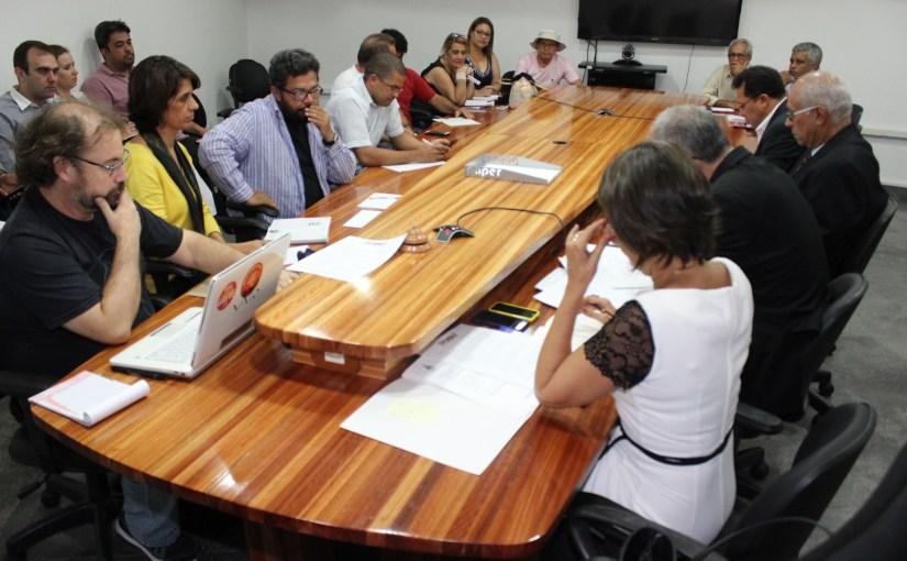 Fórum das Associações Docentes cobra direitos e condições de trabalho aos reitores das universidades estaduais da Bahia