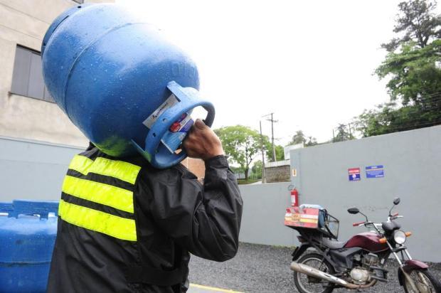 Tarifaço do governo Temer deixa preço do gás e da luz nas alturas, afetando principalmente os mais pobres