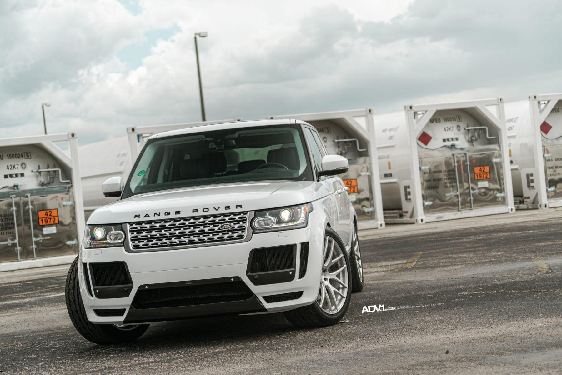 White Range Rover HSE ADV7 M V1 Standard Wheels ADV 1 Wheels