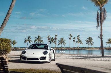 white-porsche-911-turbo-s-centerlock-991-forged-mesh-wheels-adv1-performance-rims-g