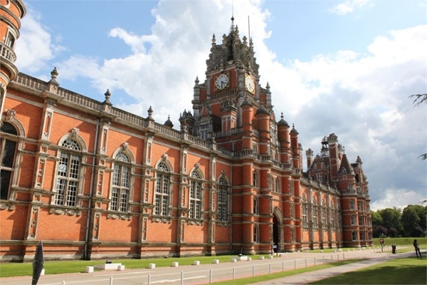 Royal Holloway Installs Shower Pods In Refurbishment Of 'Runnymede One' Student Accommodation