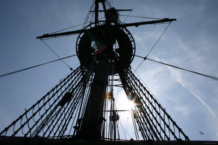 Sailboat mast 2006