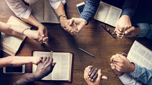 https://i0.wp.com/www.adventistas.com/wp-content/uploads/2021/08/Religion-Bible-Study-Church-Prayer.jpg?w=618
