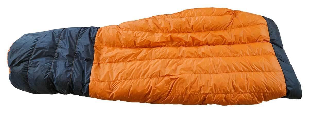 lightweight backpacking quilt - hammock gear econ 20