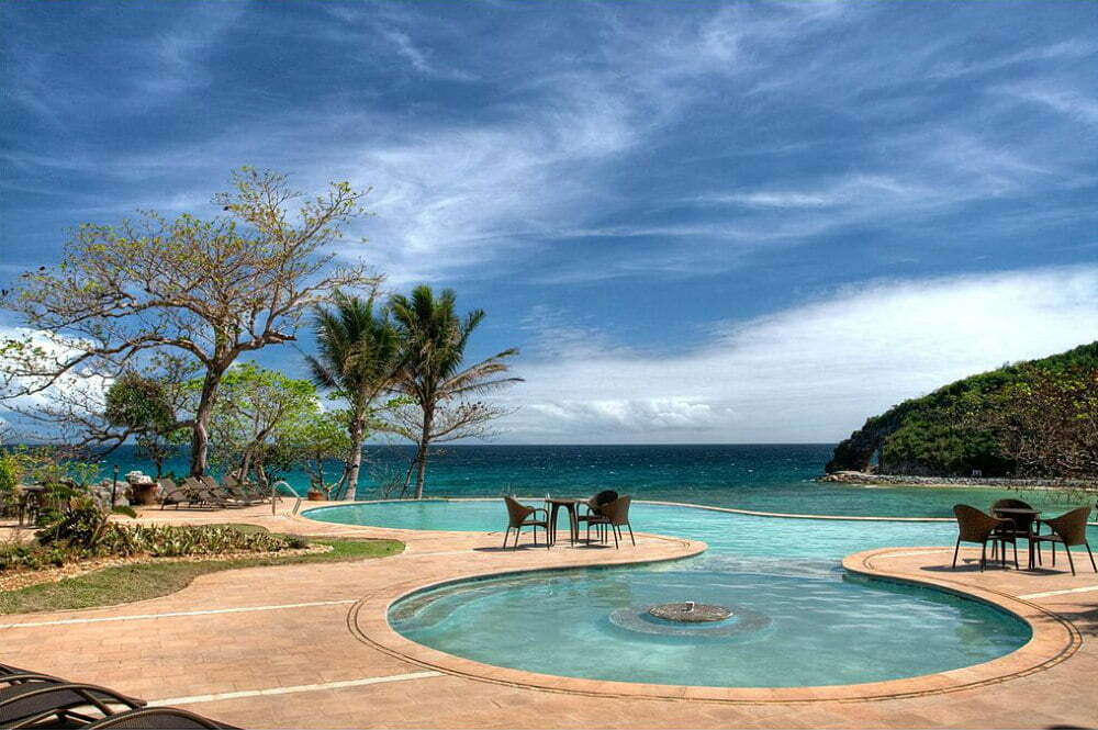 Beachfront Hotels in Boracay - Fairways and Bluewater Resort