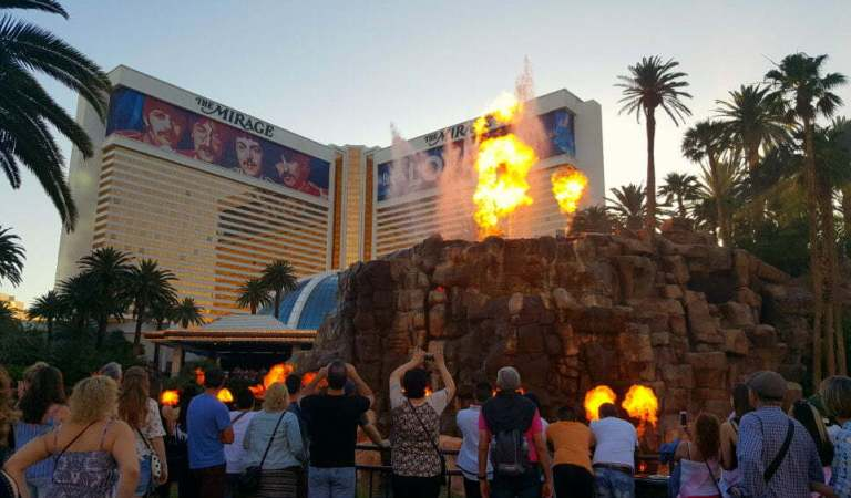 10 Best Free Shows in Las Vegas – Mermaids, Volcanoes, Music, and More