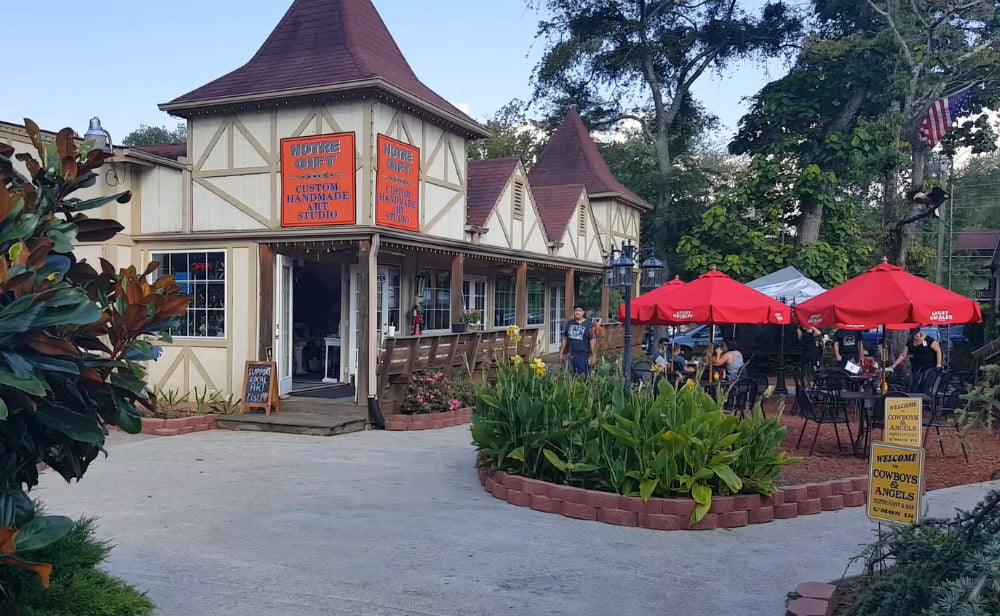 Notre Gift in Riverwalk Village - Things to Do in Helen GA Attractions