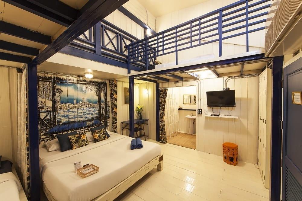 The White Room - Loy La Long Hotel - Bangkok, Thailand