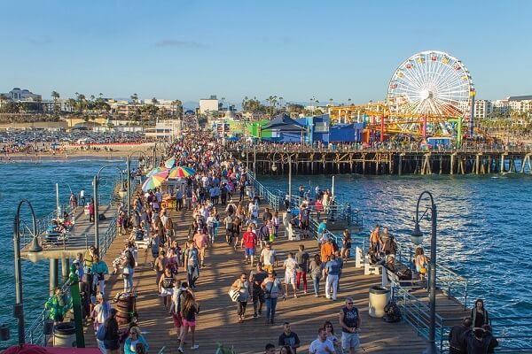 The Best Free Things To Do In Los Angeles - santa monica pier ferris wheel