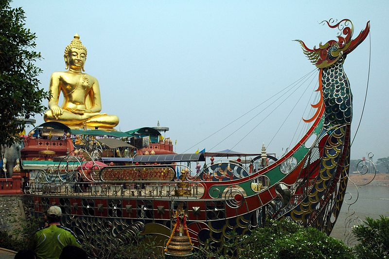 Golden-Triangle-Buddha-Ship