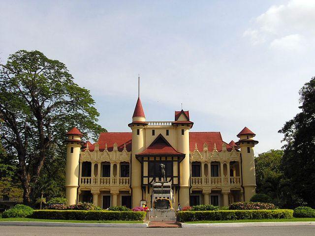 Sanam Chandra Palace in Nakhon Pathom