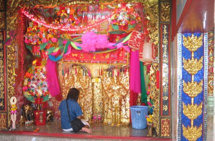 Suphan-Buri-City-Pillar-Shrine5