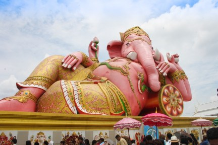 Wat-Saman-Rattanaram-Ganesha-Temple-Chachoengsao
