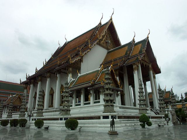 Wat Suthat and the Giant Swing, Bangkok