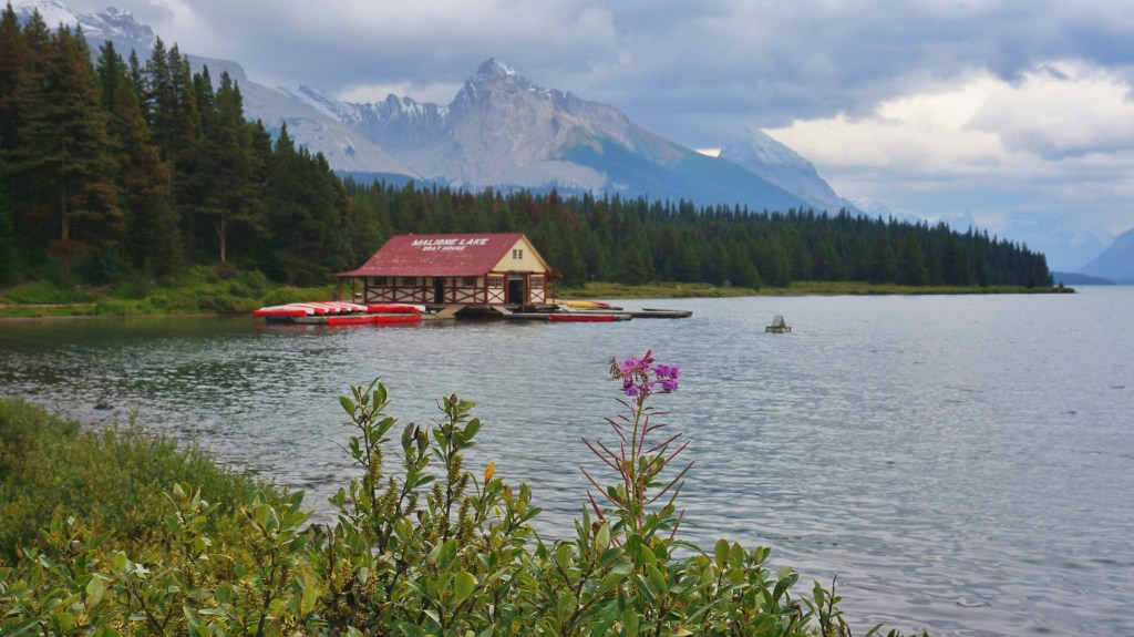 Maligne Lake & Boat House