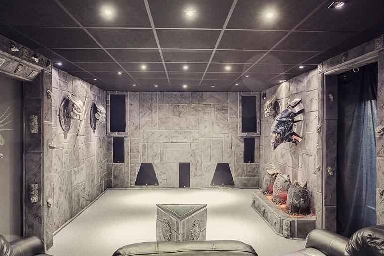 predator-house-corridor2