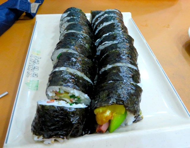 Kimbap what to eat in south korea seoul