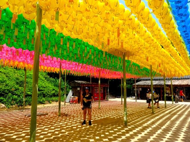 seokguram grotto lanterns