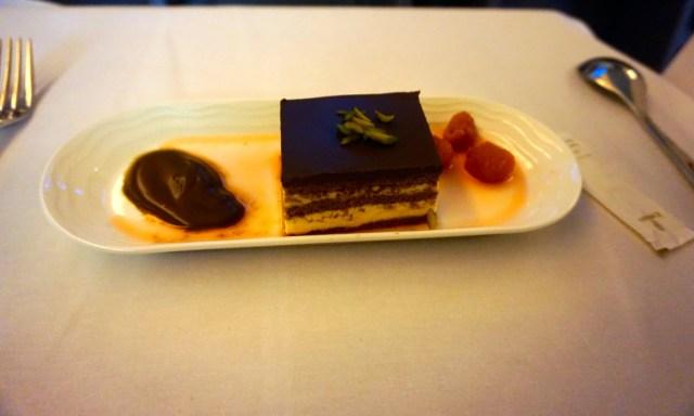 bananachocolatecake-emirates-business-class-boeing-777