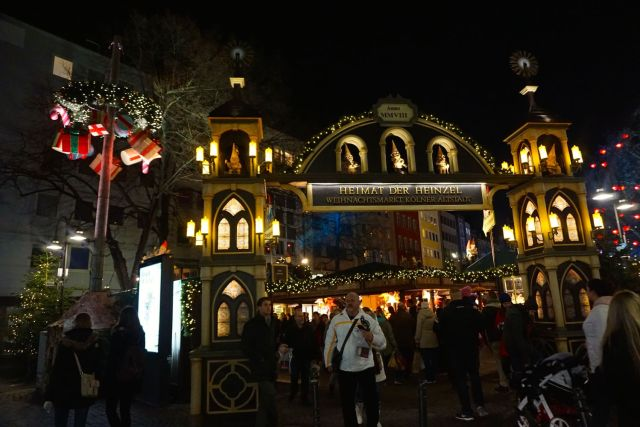 Is Cologne Worth Visiting? christmas market
