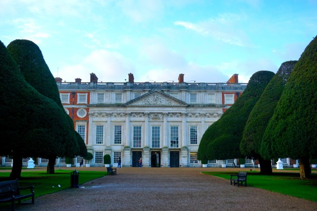 things to do in london hampton court palace