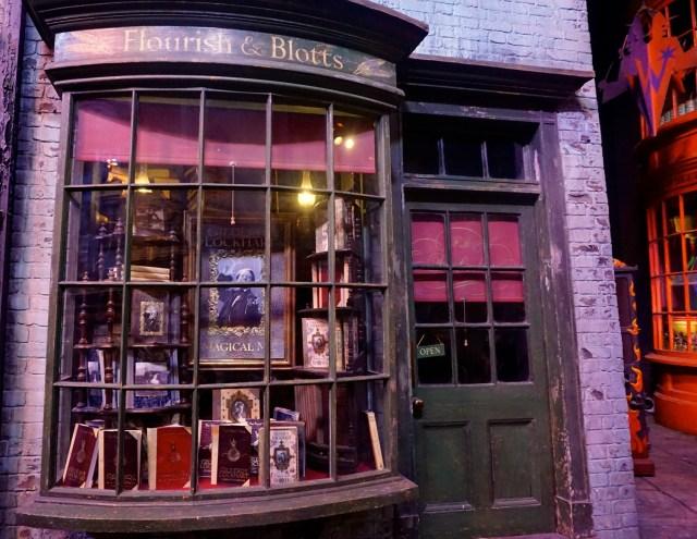 harry potter studios london flourish and blotts diagon alley