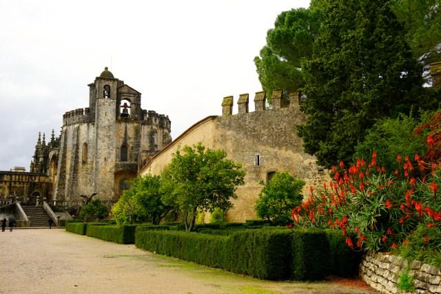 hiring a car in portugal tomar monastery
