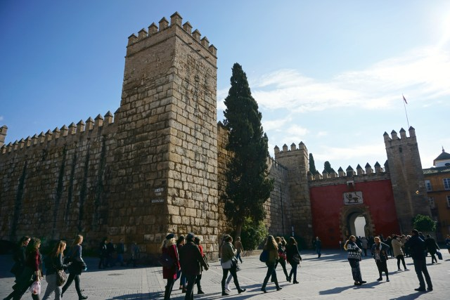 what to do in seville alcazar