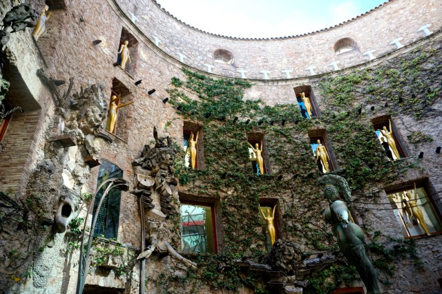 best day trips from barcelona salvador dali museum in figueres