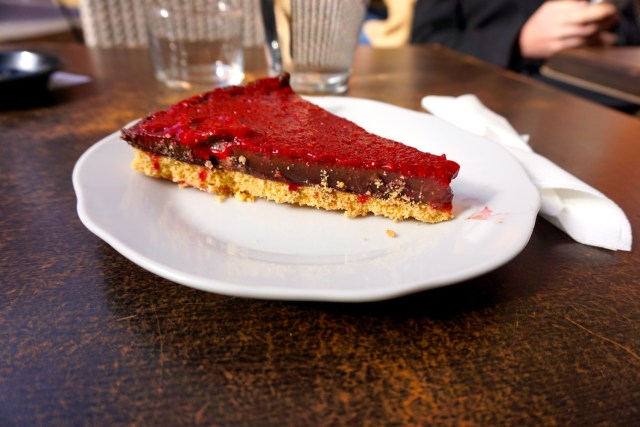 what to eat in france cake