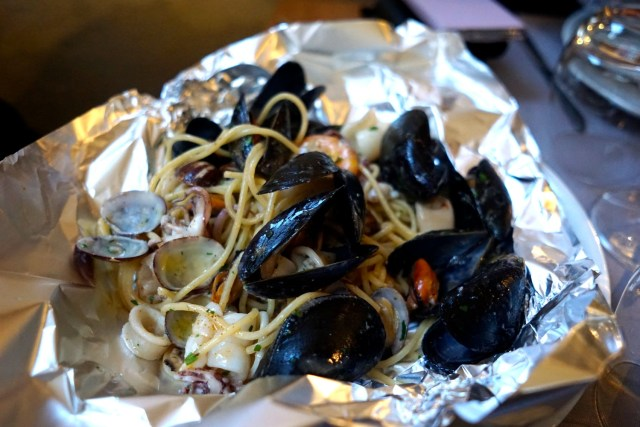 what to do in cinque terre riomaggiore seafood