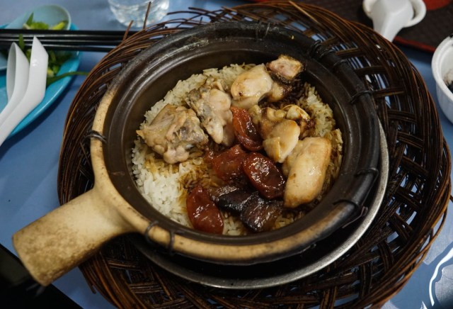 what to eat in singapore hawker hall food crawl lian he be jin claypot rice
